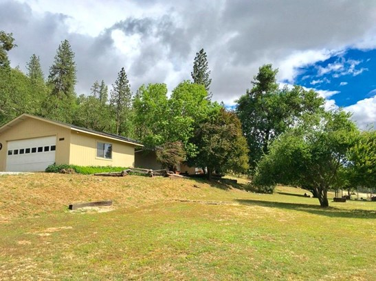 17275 Jones Rd , Central Point, OR - USA (photo 1)