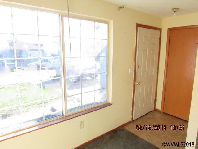 262 Ne 2nd St , Willamina, OR - USA (photo 2)