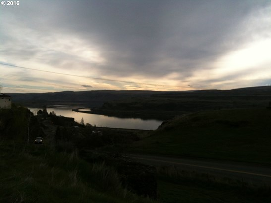 9278 Hwy 14 , Wishram, WA - USA (photo 4)