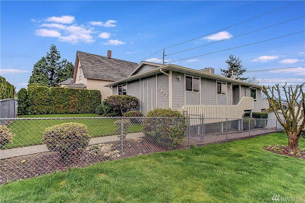 1307 E Marine View Drive , Everett, WA - USA (photo 1)