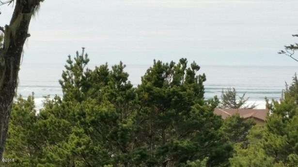 1810 Nw Oceanview , Waldport, OR - USA (photo 1)