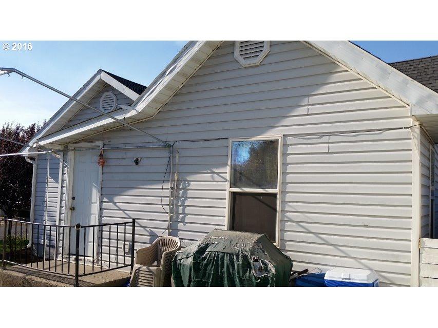 818 Perkins St , Milton Freewater, OR - USA (photo 5)