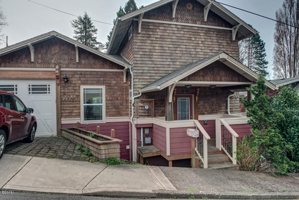 193 E Graham St , Toledo, OR - USA (photo 2)
