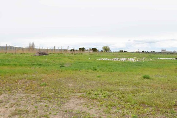 Nka Adjacent To 3331 Stone Rd , Yakima, WA - USA (photo 4)