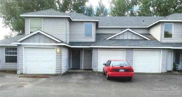 748 Northeast Oak Pl , Redmond, OR - USA (photo 2)
