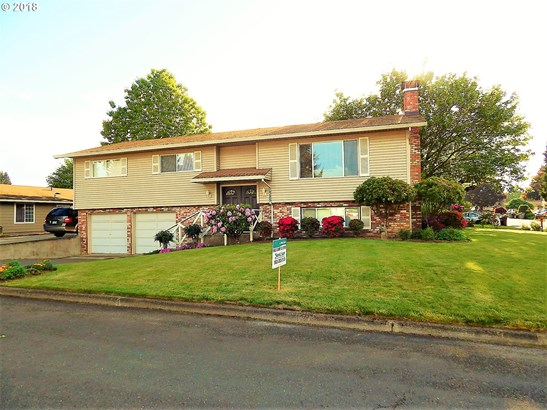 1385 N Oak St , Canby, OR - USA (photo 1)