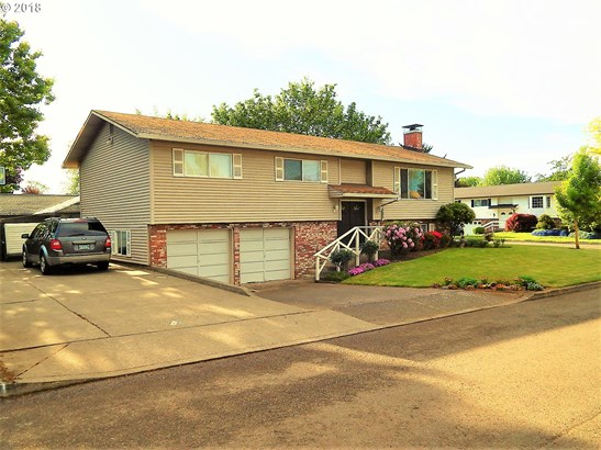 1385 N Oak St , Canby, OR - USA (photo 2)