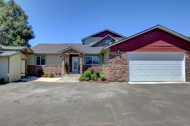 4609 Gebhard Rd , Central Point, OR - USA (photo 1)