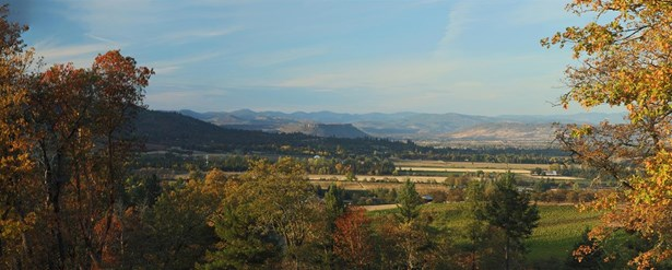 50 Vineyard View Cir , Medford, OR - USA (photo 5)