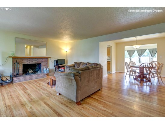 2740 15th Ave , Forest Grove, OR - USA (photo 4)