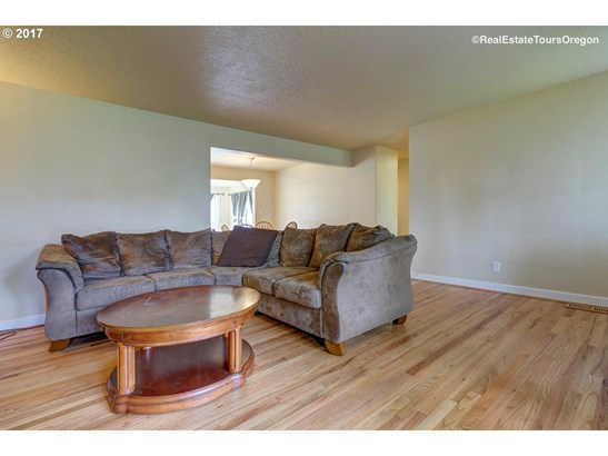 2740 15th Ave , Forest Grove, OR - USA (photo 5)