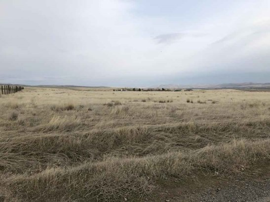 Nka Mieras Rd , Yakima, WA - USA (photo 1)