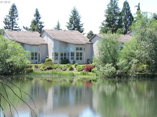1330 Nw Oakmont Ct , Mcminnville, OR - USA (photo 3)