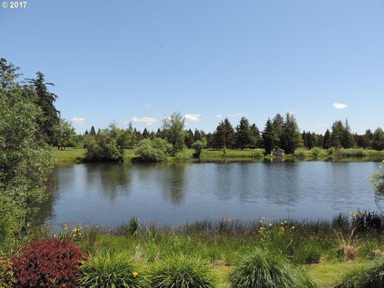 1330 Nw Oakmont Ct , Mcminnville, OR - USA (photo 4)