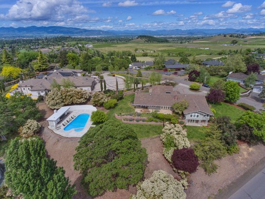241 Yale Dr , Medford, OR - USA (photo 3)