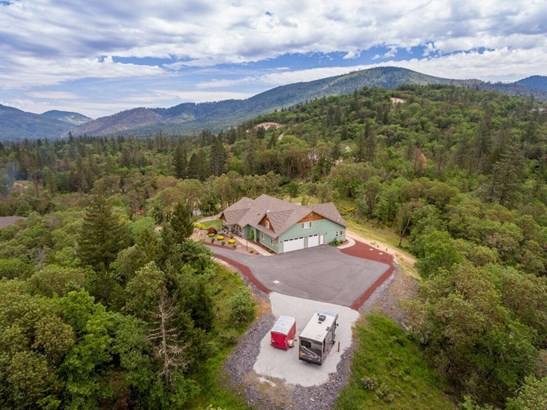 170 Columbia Crest Dr , Grants Pass, OR - USA (photo 2)