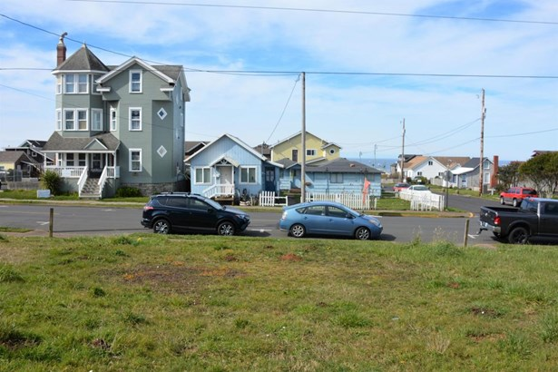 Lot 5 (north Half Tl6600) Nw Coast Street , Newport, OR - USA (photo 1)