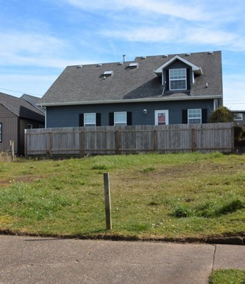 Lot 5 (north Half Tl6600) Nw Coast Street , Newport, OR - USA (photo 3)