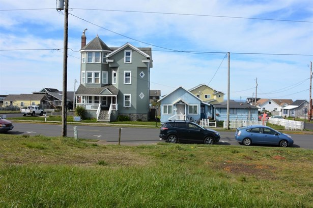 Lot 5 (north Half Tl6600) Nw Coast Street , Newport, OR - USA (photo 4)