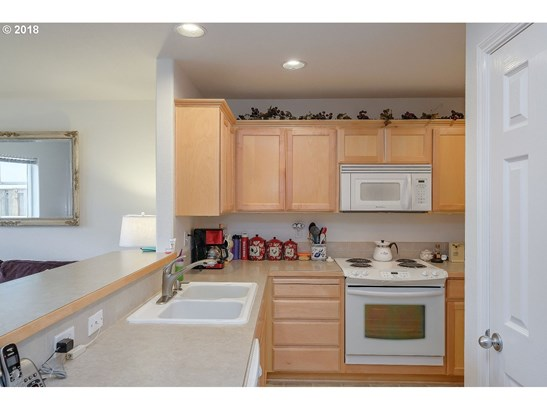 1937 27th Ave , Forest Grove, OR - USA (photo 5)