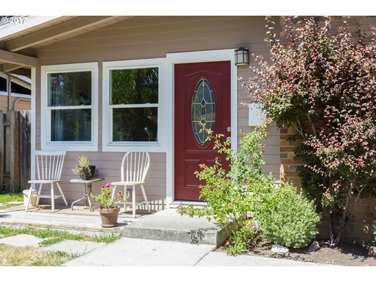 11375 Sw 14th St , Beaverton, OR - USA (photo 3)