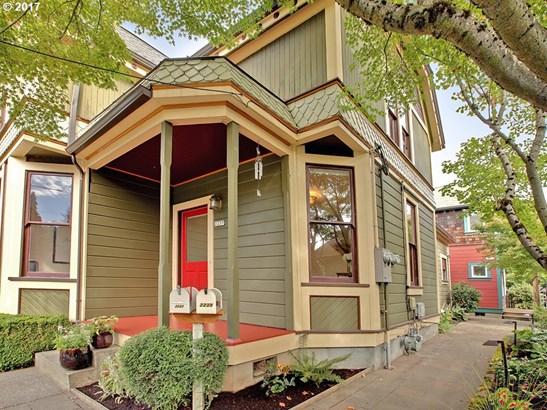 2237 Se Oak St , Portland, OR - USA (photo 2)