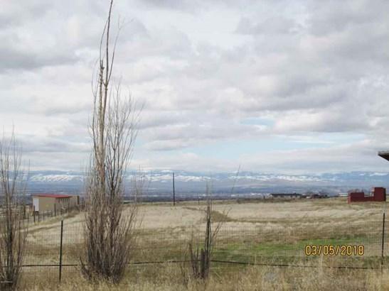 12078 Mieras Rd , Yakima, WA - USA (photo 2)