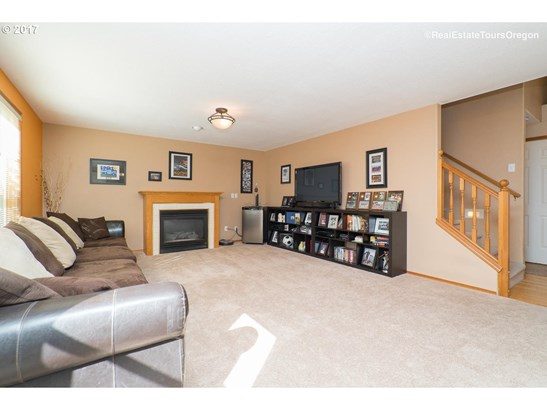 12621 Sw 138th Ave , Tigard, OR - USA (photo 2)