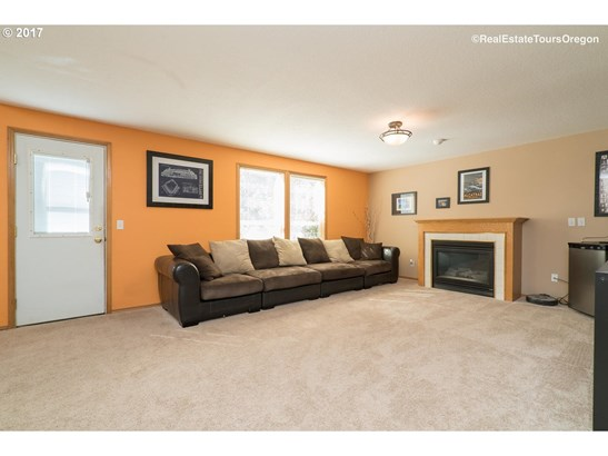 12621 Sw 138th Ave , Tigard, OR - USA (photo 4)