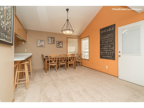 12621 Sw 138th Ave , Tigard, OR - USA (photo 5)