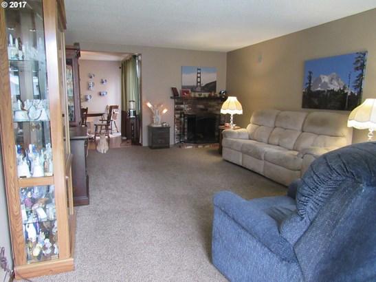 2700 Sw 16th Pl , Gresham, OR - USA (photo 2)