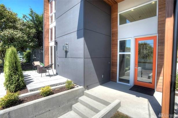 1406 S Bennett St , Seattle, WA - USA (photo 2)