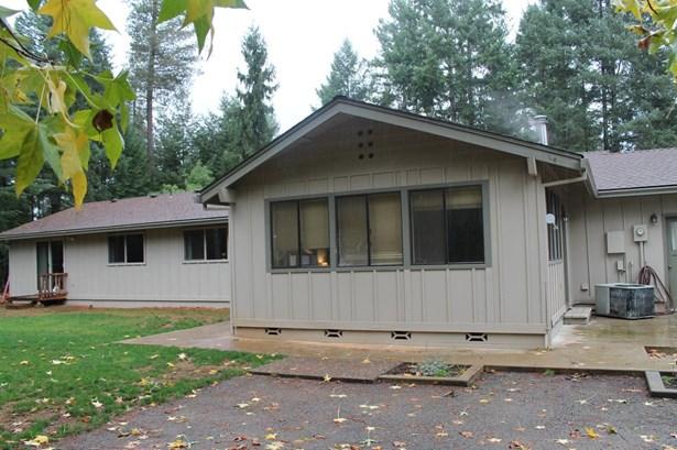 735 Douglas Dr , Grants Pass, OR - USA (photo 2)