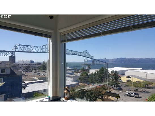 96 W Commercial St , Astoria, OR - USA (photo 3)