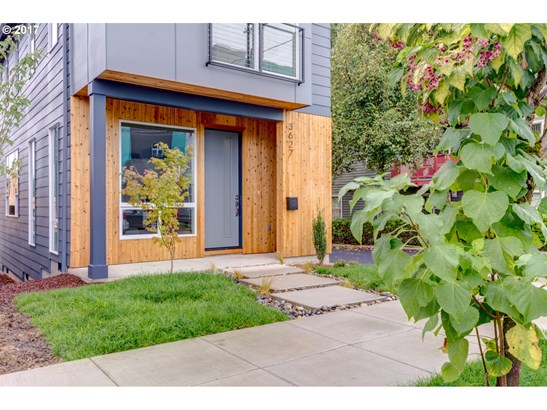 3627 Se 28th Ave , Portland, OR - USA (photo 2)