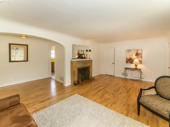 681 W 19th Ave , Eugene, OR - USA (photo 5)