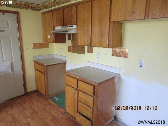 285 Ne 2nd St , Willamina, OR - USA (photo 3)