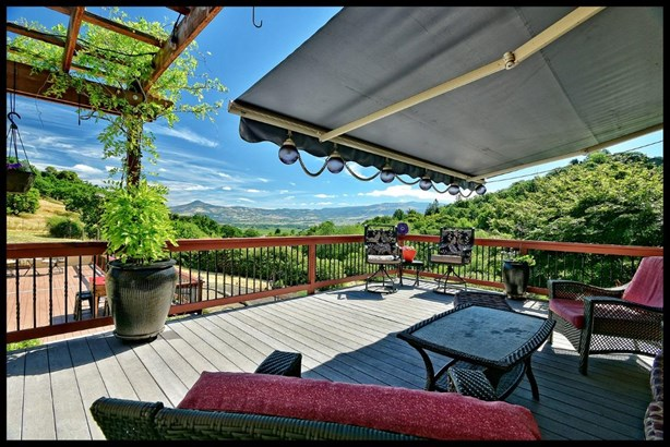 4480 Pioneer Rd , Medford, OR - USA (photo 1)