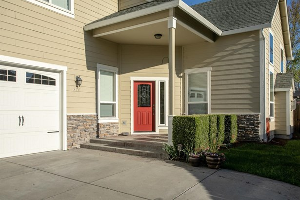 974 Covington Ct , Central Point, OR - USA (photo 3)