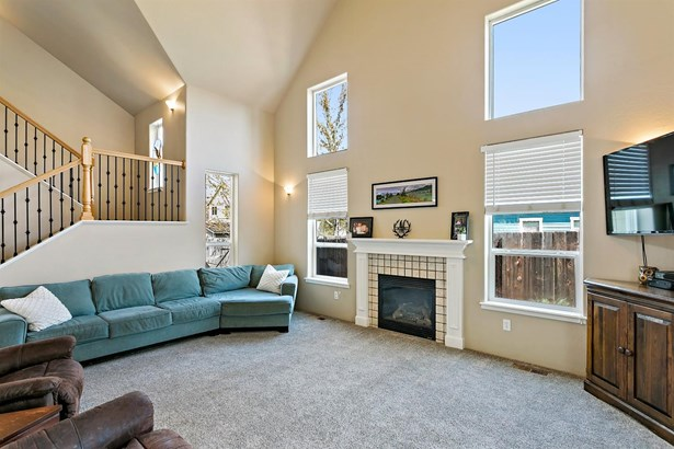 974 Covington Ct , Central Point, OR - USA (photo 4)