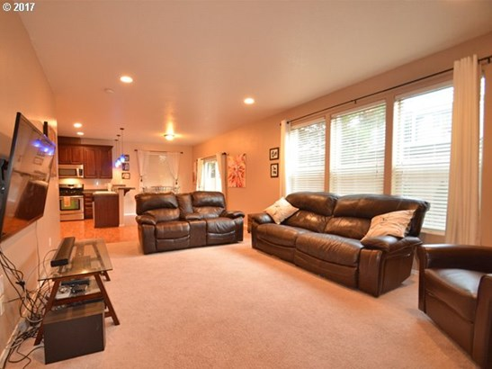1114 Sw 6th Way , Troutdale, OR - USA (photo 3)