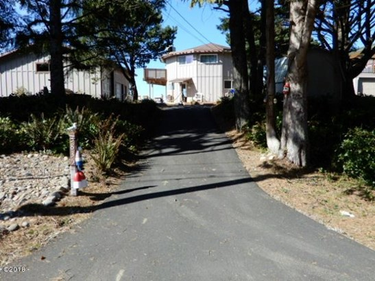 3835 Evergreen Ave , Depoe Bay, OR - USA (photo 2)