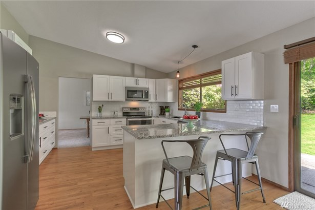 18538 Brittany Dr Sw , Normandy Park, WA - USA (photo 2)