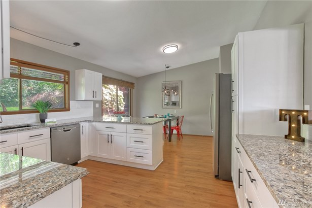 18538 Brittany Dr Sw , Normandy Park, WA - USA (photo 4)