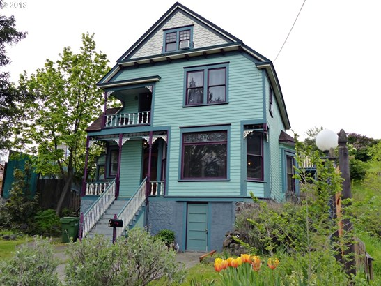 210 W 4th St , The Dalles, OR - USA (photo 1)