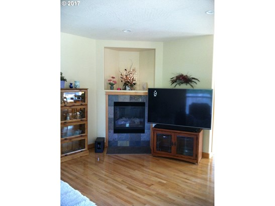 602 N 8th St , Cottage Grove, OR - USA (photo 4)