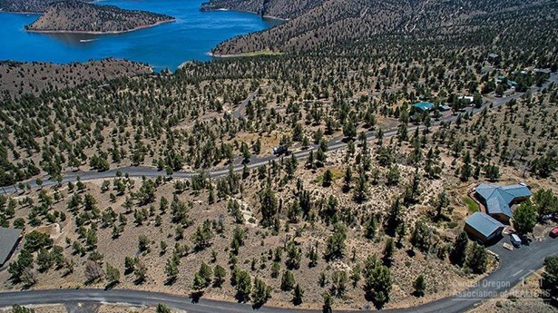 7906 Southeast Davis Way , Prineville, OR - USA (photo 2)