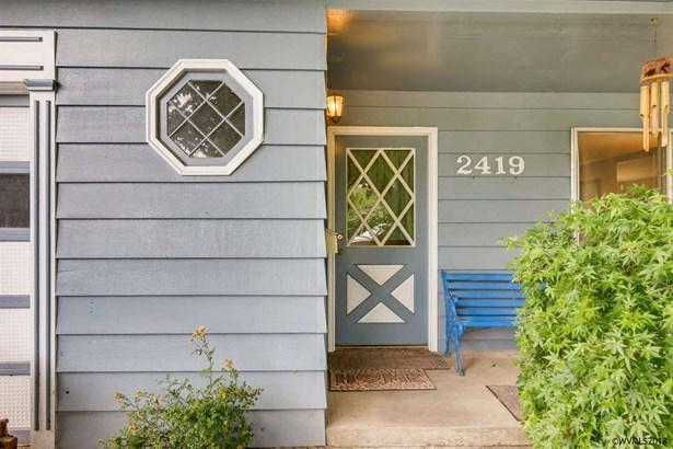 2419 Cedar St , Forest Grove, OR - USA (photo 3)