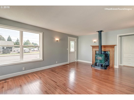 2627 19th Ave , Forest Grove, OR - USA (photo 5)