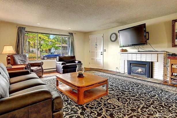 4712 237th Place Sw , Mountlake Terrace, WA - USA (photo 2)